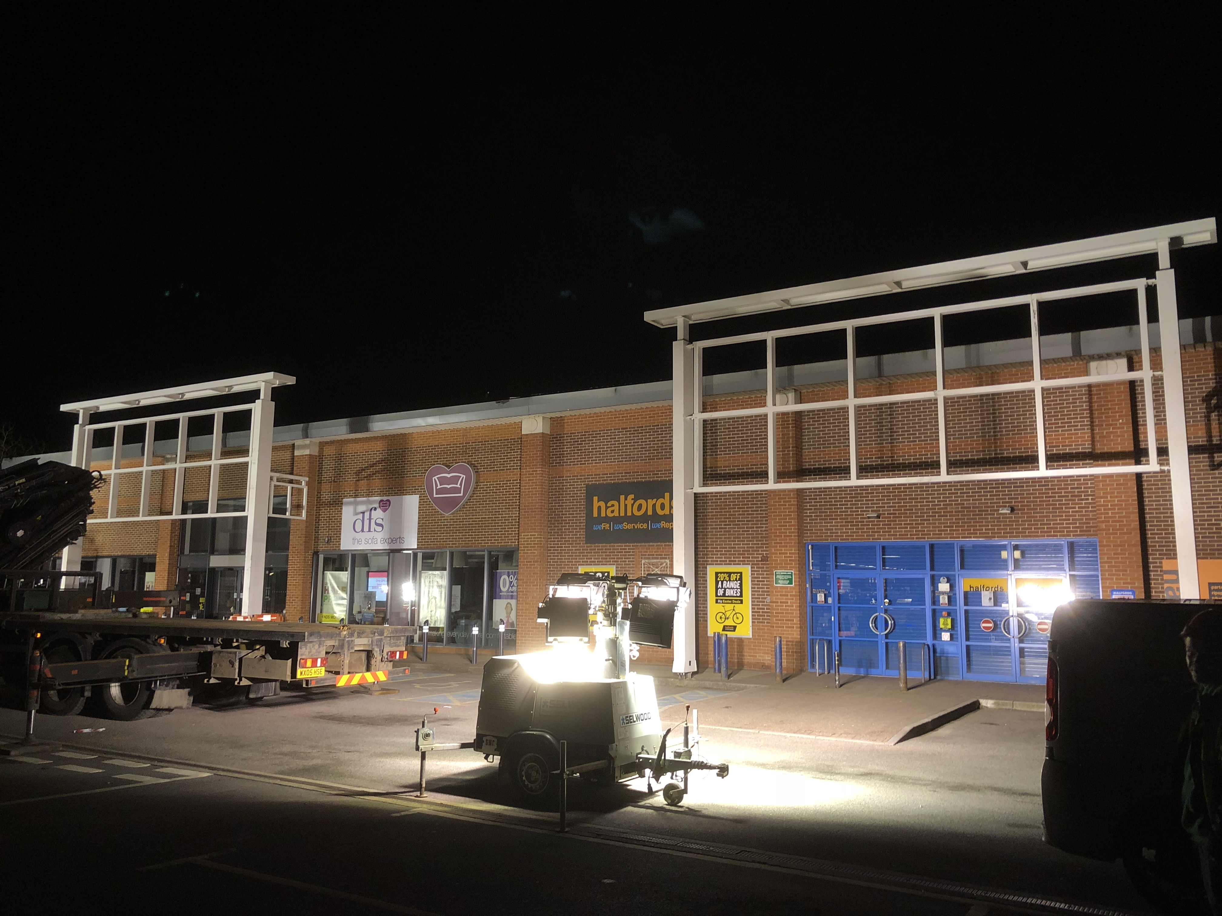Halfords and Carpet Right Shop Signs